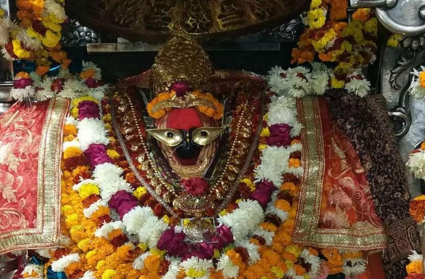 यहां तीन किलोमीटर के दायरे में विराजमान हैं तीन प्रमुख देवियां, नवरात्रि में जरूर जाएं