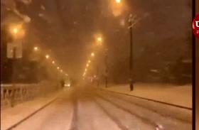 Video: रूस में पहली बर्फबारी के बाद ढका पूरा इलाका, जल्द मनाया जाएगा न्यू ईयर