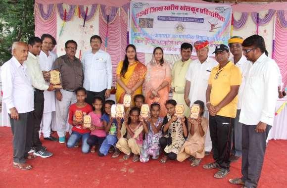 VIDEO जिम्नास्टिक छात्र वर्ग में बाल संस्कार विद्या मंदिर मंडवारिया विजेता व सेलवाड़ी की टीम उप विजेता