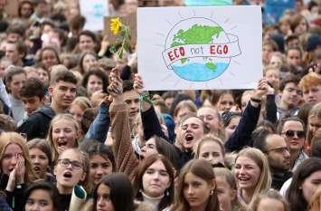 जलवायु परिवर्तन के खिलाफ ये भी लहरा रहीं विरोध का परचम