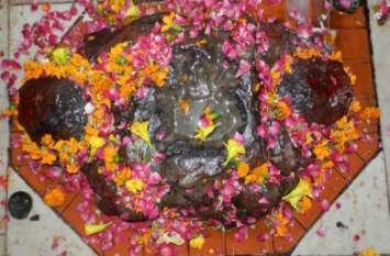 यहां मत्था टेकने से पूरी होती है हर मनोकामना, बेहद खास है मां कुष्मांडा का ये अनोखा मंदिर