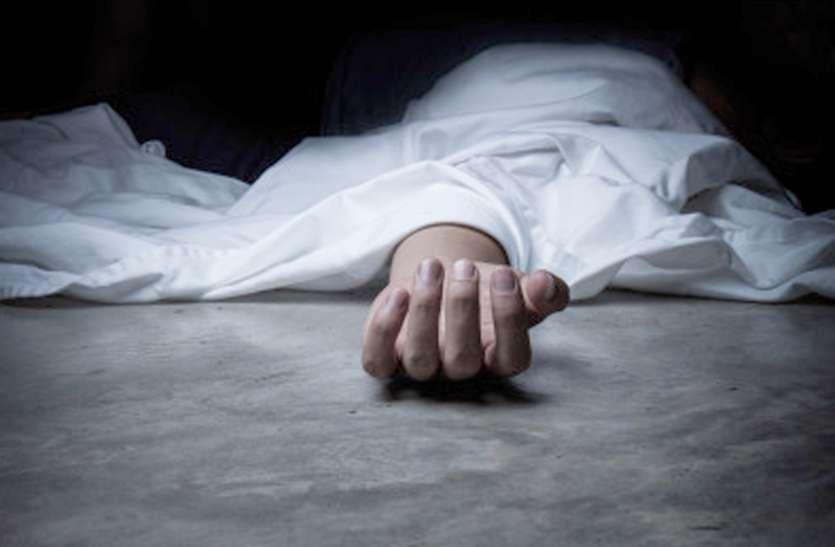 एक बिस्तर पर मिली ससुर और जवान बहू की लाश, आखिर बेटे ने ऐसा क्या कह दिया था....
