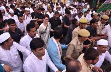 गांधी जयंती पर चढ़ा यूपी का सियासी पारा, प्रियंका बोलीं- सत्य के मार्ग पर चले बीजेपी फिर करे गांधी जी की बात