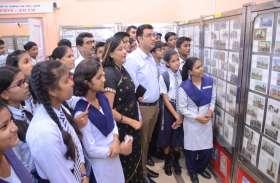दुनिया में सबसे ज्यादा डाक टिकट महात्मा गांधी पर हुए जारी : डाक निदेशक कृष्ण कुमार यादव