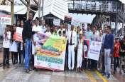 Cleanliness Drive News; वलसाड और वापी रेलवे स्टेशन पर सफाई में जुटे हाथ