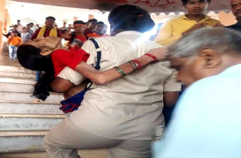 छत्तीसगढ़ पुलिस की महिला आरक्षक ने किया ऐसा काम, पूरे देश में वर्दी वालों के लिए बन गई मिसाल