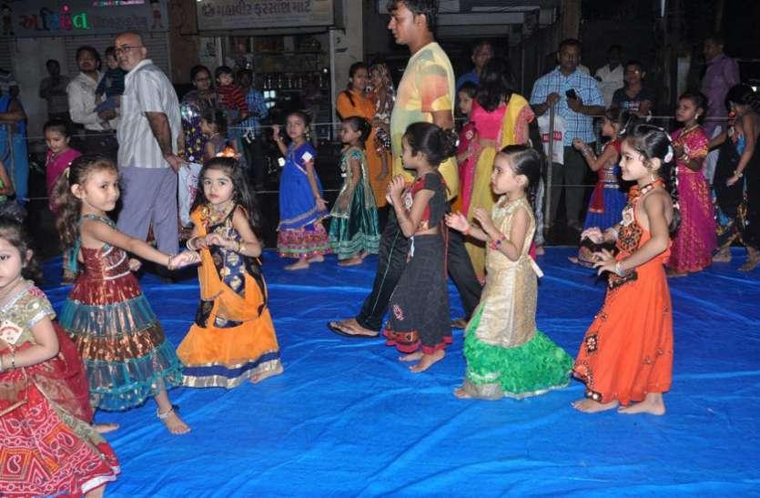 Vavratra : जामनगर की ऐसी गरबी जहां सिर्फ ५ से १० वर्ष की बालिकाएं ही खेलती हैं गरबा