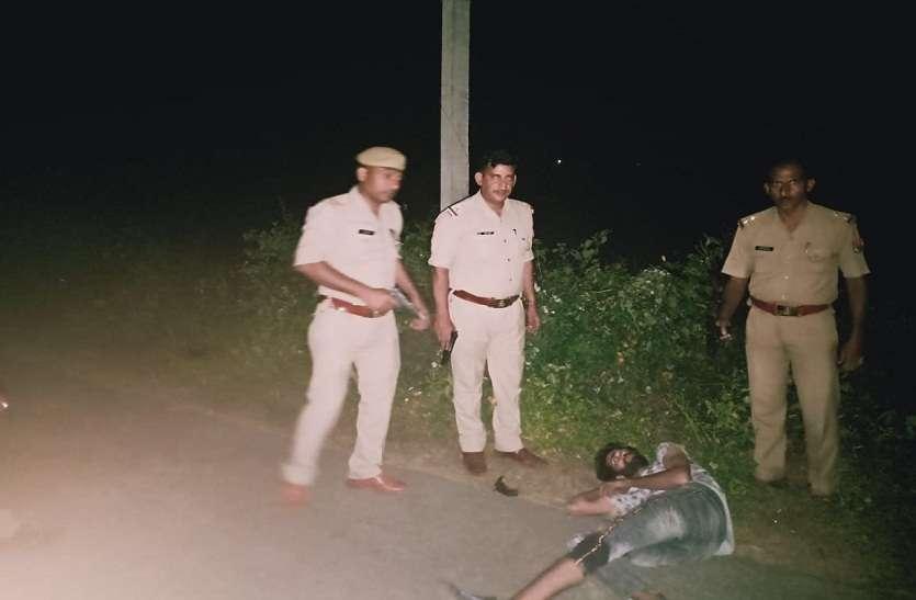 लूट कर भाग रहेबदमाशों से पुलिस की मुठभेड़, दो बदमाशों समेत पुलिसकर्मी घायल