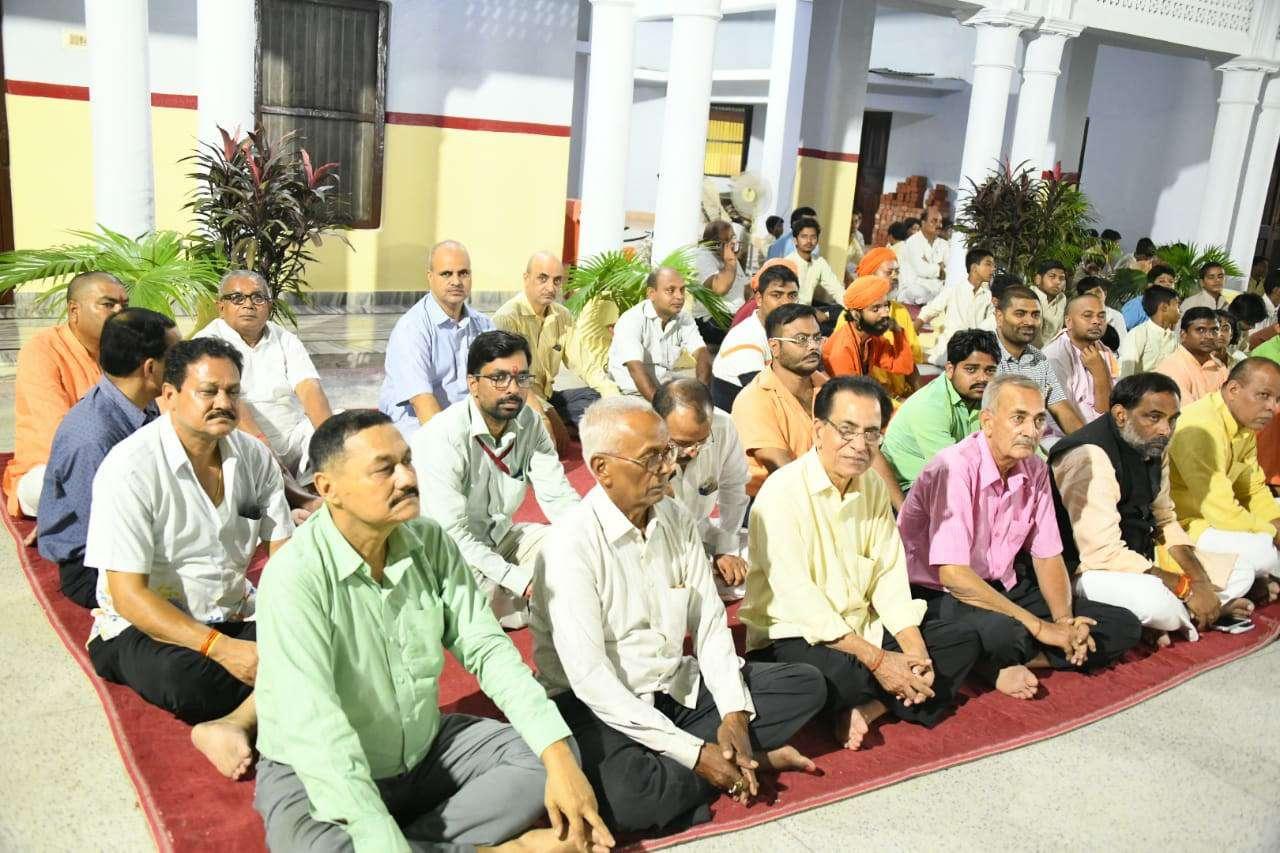 Navratri Puja in Gorakhnath Mandir गोरक्षपीठाधीश्वर ने हवन के बाद रात में किया महानिशा पूजा