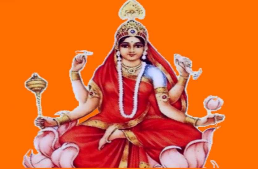 नवरात्र के आखिरी दिन मां सिद्धिदात्री को 9 संतरे का लगाएं भोग, फिर देखें कमाल