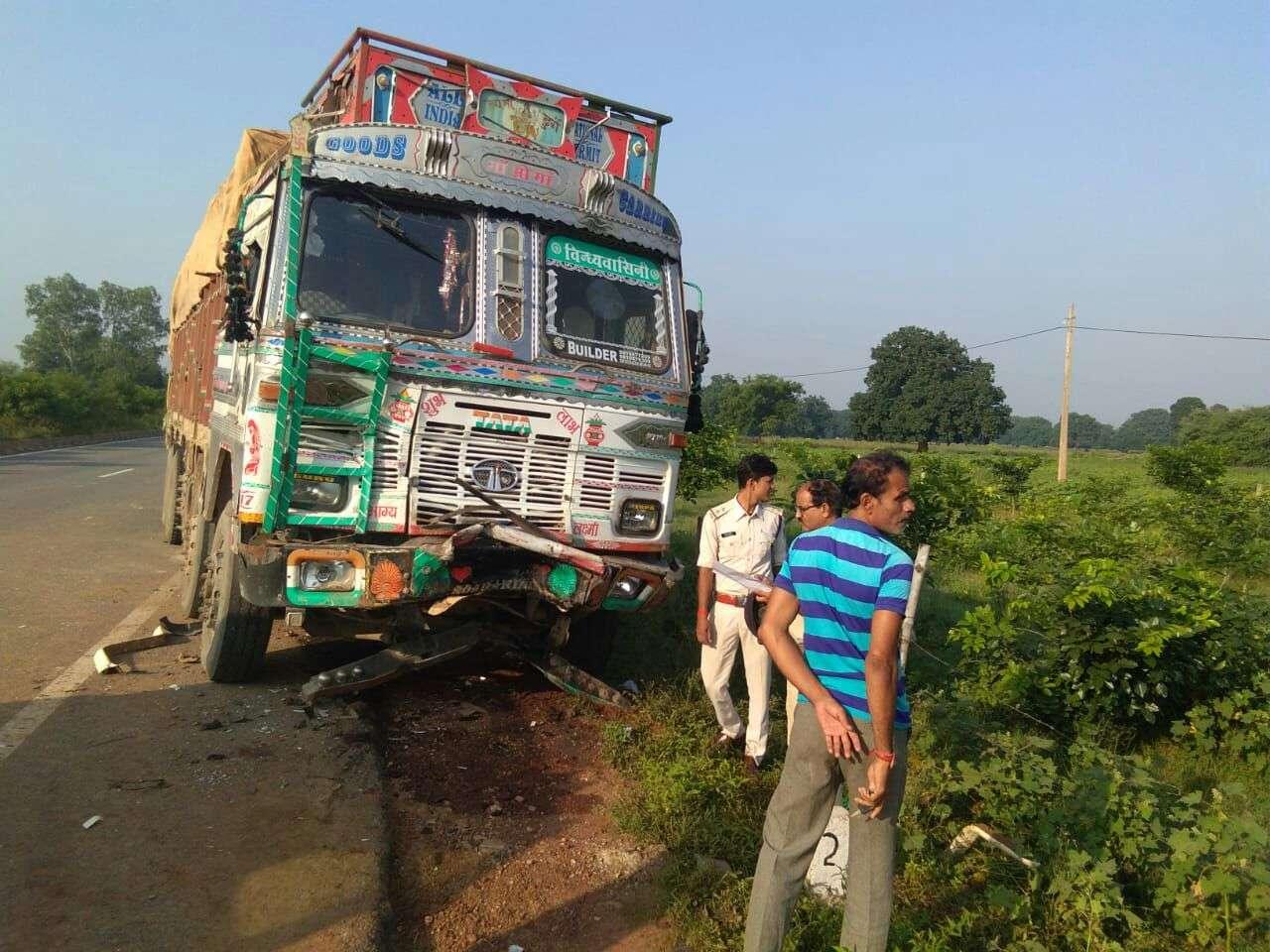 national highway 7 big road accident in Rewa 5 killed 1 injured