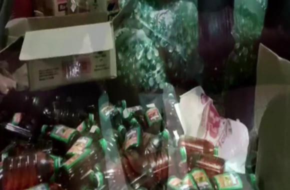 पुलिस ने किया अवैध शराब फैक्ट्री का भांडा फोड़, 6 अभियुक्त गिरफ्तार