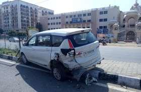 दो कारों में टक्कर, हादसा टला