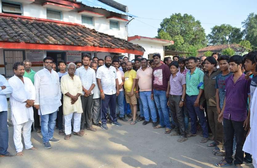 जेल से छूटे दो गुंडे दुर्गा पंडाल में लेकर पहुंच गए बम,कोतवाली पुलिस ने किया गिरफ्तार