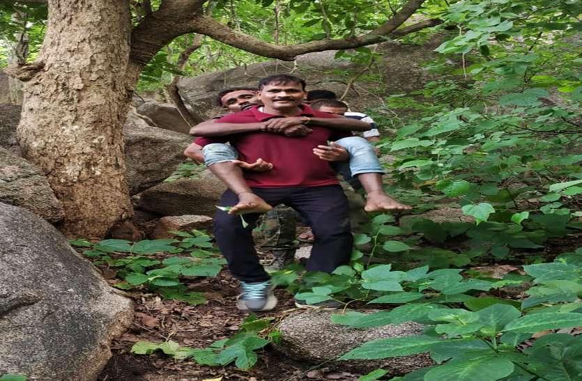 डोंगरगढ़ मां बम्लेश्वरी के दर्शन करने पहुंचा अधेड़ 16 सौ फीट ऊंची पहाड़ी से नीचे गिरा