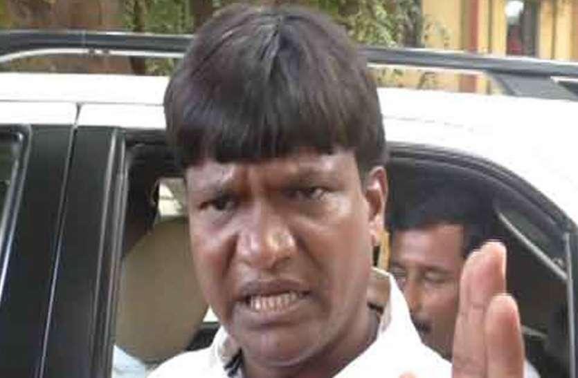झारखंड: बीजेपी विधायक पर गिरी गाज, वारंटी छुड़ाने के मामले में डेढ़ साल की सजा