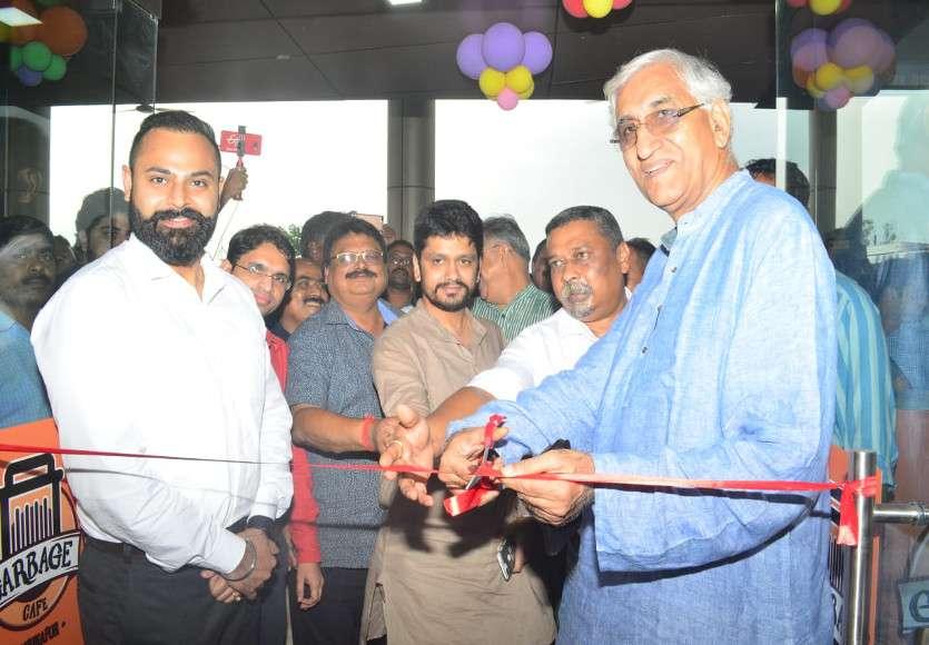 Video: इस शहर में खुला देश का पहला गार्बेज कैफे, स्वास्थ्य मंत्री टीएस ने शुभारंभ कर लिया यहां के खाने का स्वाद, कही ये बातें