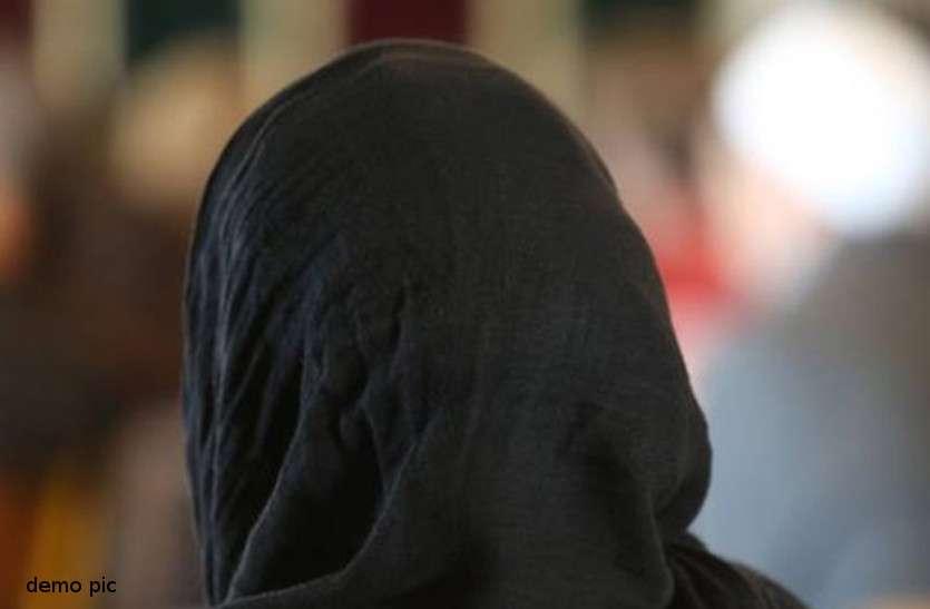 प्रेमी के साथ मिलकर ससुर की कुल्हाड़ी से हत्या, शव कुएं में फेंका, वृद्ध ने प्रेमी को घर में घुसते देख लिया था