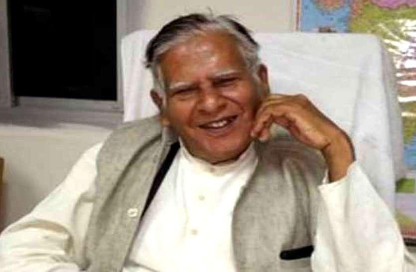 दशहरे के दिन रावण का शहादत दिवस मनाकर फिर चर्चा में आए CM भूपेश के पिता, असुर पूजन का किया समर्थन