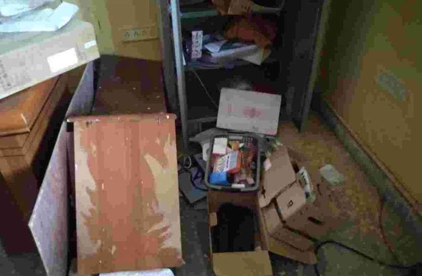 ग्राम पंचायत कार्यालयों में चोरों का धावा