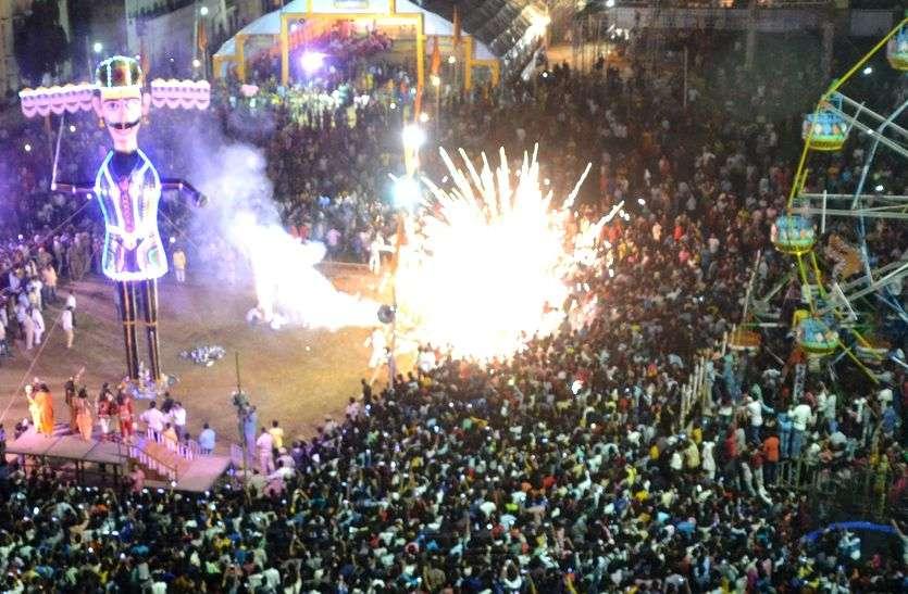 सीकर में रावण दहन के दौरान भीड़ में घुसे पटाखे, मची भगदड़