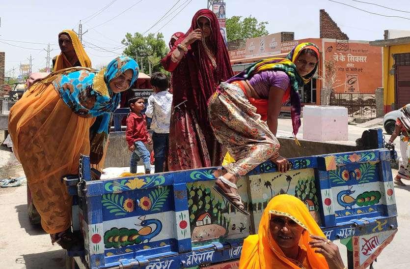 परिवहन सुविधाओं से मरहूम हैं दस पंचायतें, लटक यात्रा करने को मजबूर हैं ग्रामीण