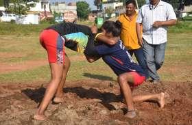 VIDEO STORY : दंगल में लड़कियों ने दिखाए दांव-पेंच, देखें वीडियो