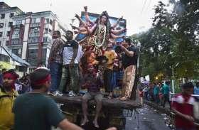 अजान सुनते ही हिंदुओं ने दुर्गा प्रतिमा विसर्जन के दौरान रोका संगीत