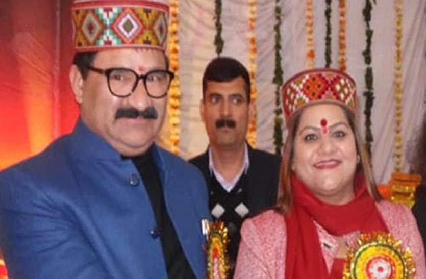 हिमाचल प्रदेश : मंत्री के पत्नी की गाड़ी से चोरी, शिकायत दर्ज कराने पर विपक्ष के निशाने पर पीड़िता