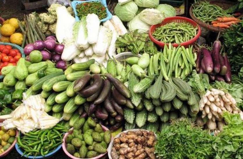 ताव खा रही लौकी, टमाटर हुआ लाल, जयपुर में मंडियों से बाहर सब्जियों दोगुने दाम