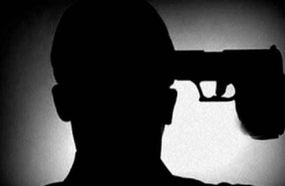 यूपी पुलिस हेड कॉन्सटेबल ने गोली मारकर की आत्महत्या, जानिए पूरा मामला!