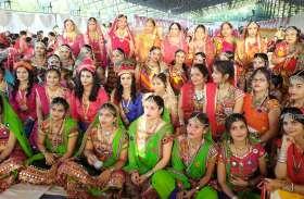 किसी ने राधा-कृष्ण बन किया नृत्य तो किसी ने मटकी फोड़ दिखाई अपनी प्रतिभा