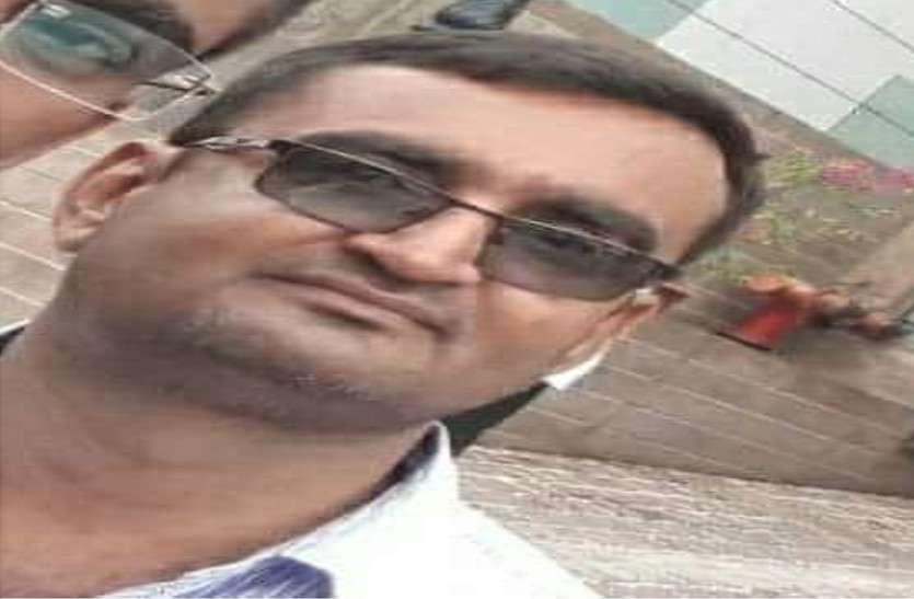 बाड़मेर में आरटीआई कार्यकर्ता को पट्टियां गिराने के दौरान टै्रक्टर से मारी थी टक्कर, रिमांड में आरोपियों ने बताई सच्चाई