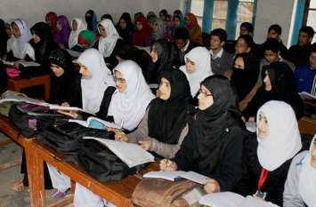 जम्मू-कश्मीर : 52 प्रतिशत स्कूली छात्राओं के लिए शौचालय नहीं