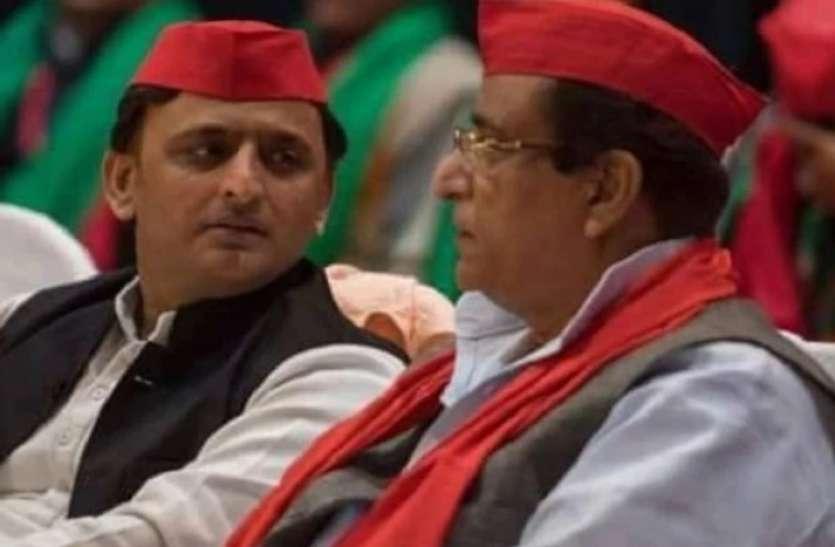 Upchunav से पहले Akhilesh Yadav को लगा बड़ा झटका, इन नेताओं ने ज्वाइन की BJP