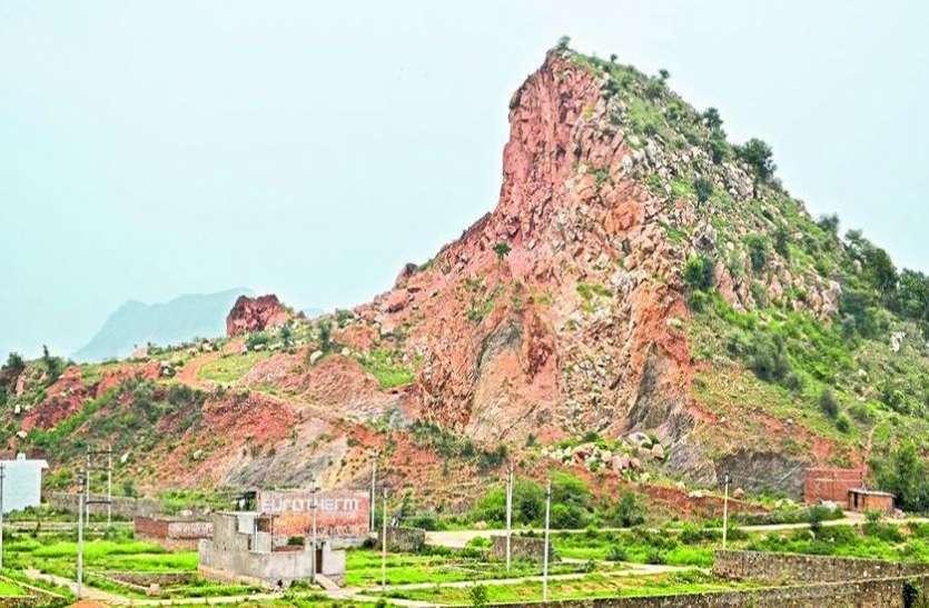 alwar illigal mining news अवैध खनन से बदल गया पहाडिय़ों का स्वरूप, रेकॉर्ड में दिखा रहे सब ठीक