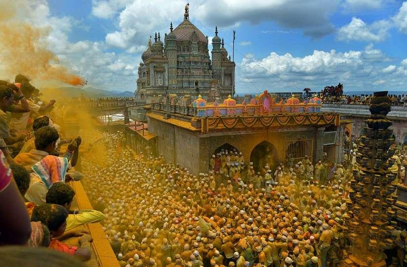 यहां श्रद्धालु अपनी दांतों से उठाते हैं 42 किलो की तलवार, जानें मंदिर से जुड़ी 10 अनोखी बातें