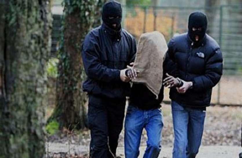 PMGSY के इंजीनियर, टेक्नीकल असिस्टेंट समेत तीन लोगों का नक्सलियों ने किया अपहरण, इलाके में दहशत