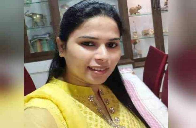 बाहुबली को धूल चटाने वाली यूपी की यह चर्चित महिला नेता का आज भी चल रहा सिक्का, अब अपनाया नया ट्रेंड