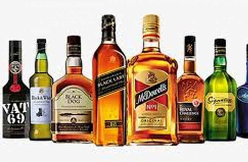 कीमत से ज्यादा वसूली, शराब की 18 दुकानों पर पहुंचे राज्य कर अधिकारी
