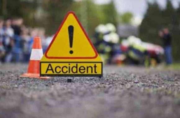 Road accident: कार की टक्कर से मां की मौत, बेटा घायल