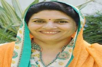 हर वर्ग को साधने के लिए JJP की नैना चौटाला ने की बड़ी घोषणाएं