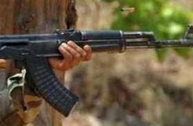 गया : पुलिस ने नक्सलियों द्वारा छिपाकर रखे हथियार और विस्फोटक बरामद किए