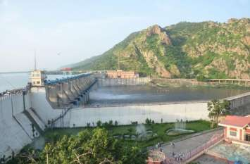 Bisalpur News : बीसलपुर बांध से बनास में बहा दिया पांच साल का पानी