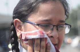 POLICE IN ACTION : रोते रहे विद्यार्थी, पुलिस करती रही कार्रवाई