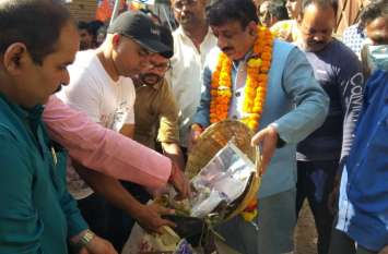भाजपा गांधी संकल्प यात्रा : महापौर ने स्वच्छता का दिलाया संकल्प