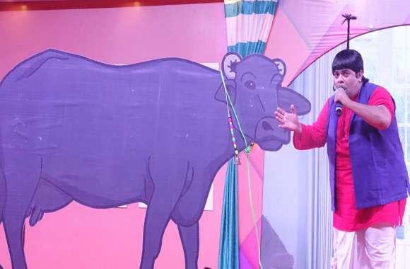 दौसा रत्न अवार्ड शो में बच्चा यादव ने गुदगुदाया, पुलवामा शहीदों को दिया सम्मान