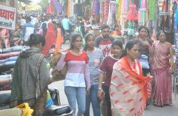 त्योहार को लेकर बाजार में दिखी रौनक