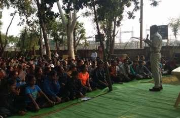 शहीदों की स्मृति में हुई प्रतियोगिताएं छात्राओं ने लिया हिस्सा