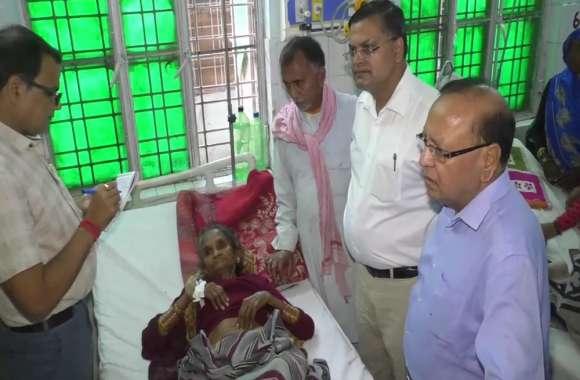महोबा में नोडल अधिकारी ने जिला अस्पताल का किया निरीक्षण,देखें वीडियो